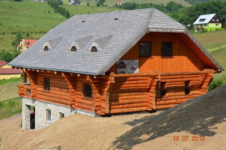 Duży dom z bali