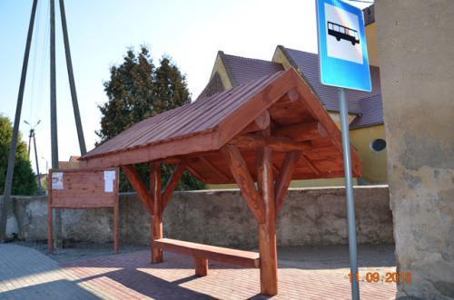 przystanek drewniany